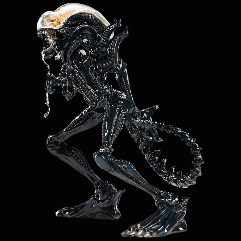 Alien xenomorph statuette weta suukoo toys 3
