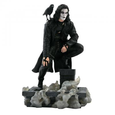 The crow statue Eric Draven movie gallery Diamond select