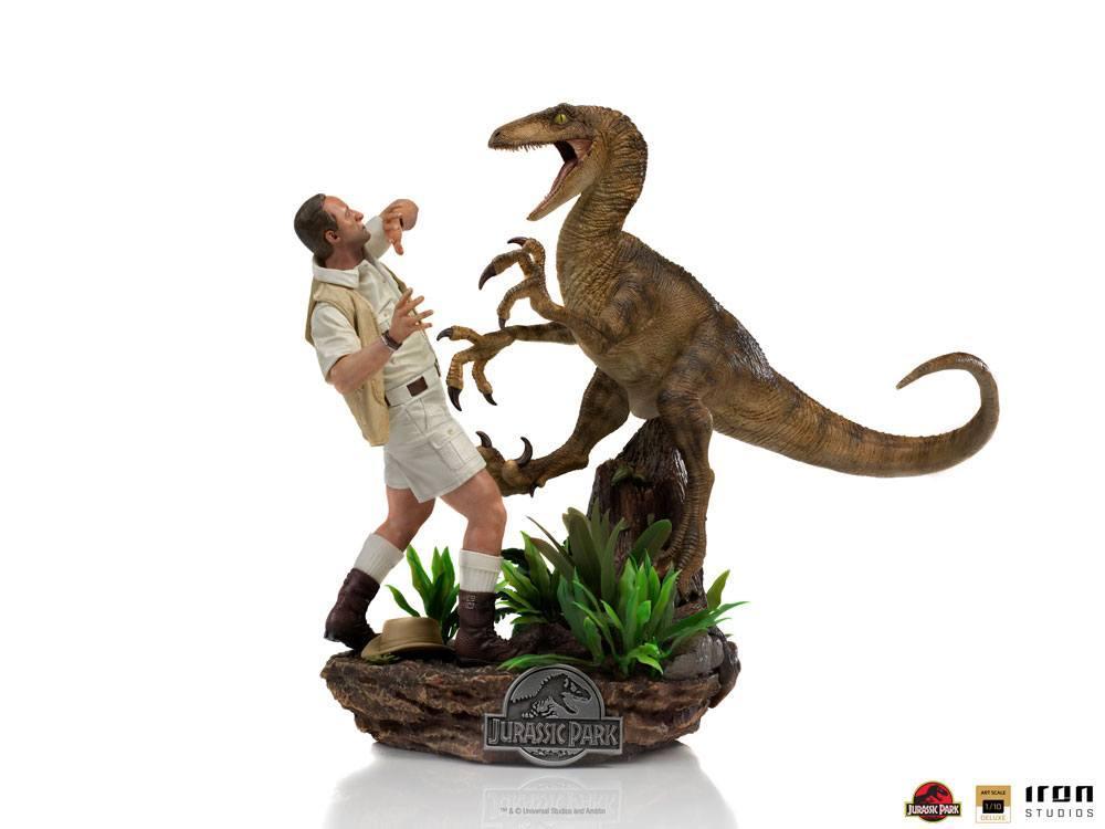 Jurrasic park deluxe statuetteiron studio raptor suukoo toys figurine 1