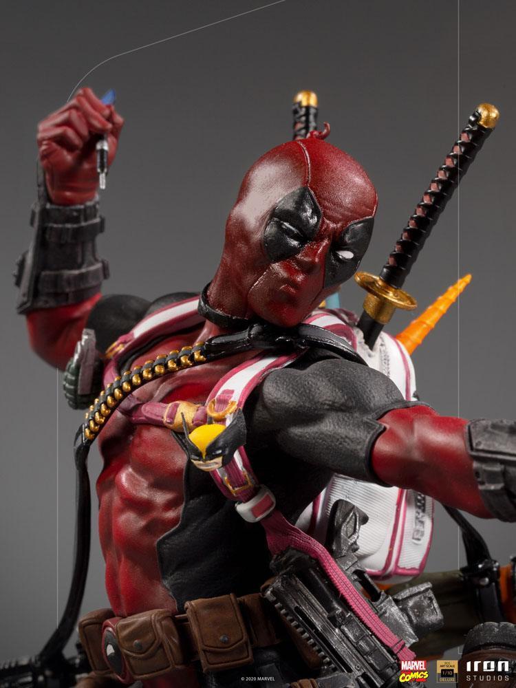 Marvel comics statuette bds deluxe art scale deadpool 24 cm iron studios 1