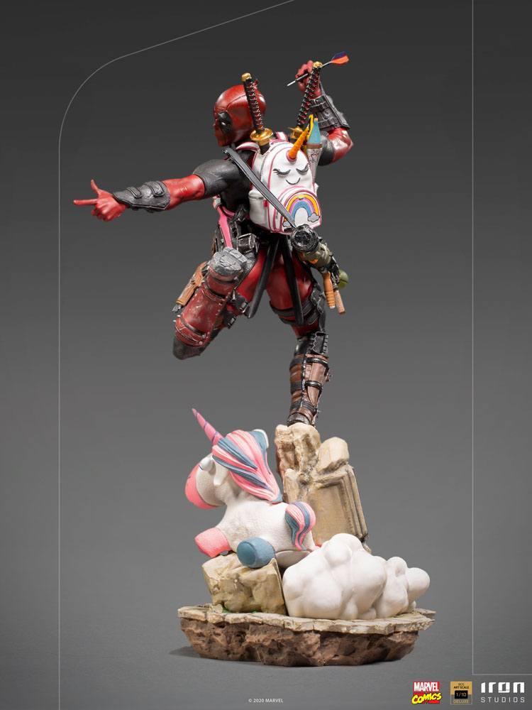 Marvel comics statuette bds deluxe art scale deadpool 24 cm iron studios 3