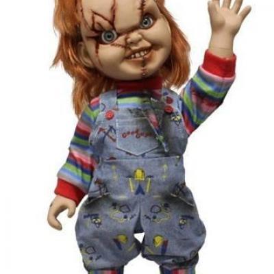 Chucky Jeu d´enfant poupée parlante Chucky (Child´s Play) Mega Scale 38 cm