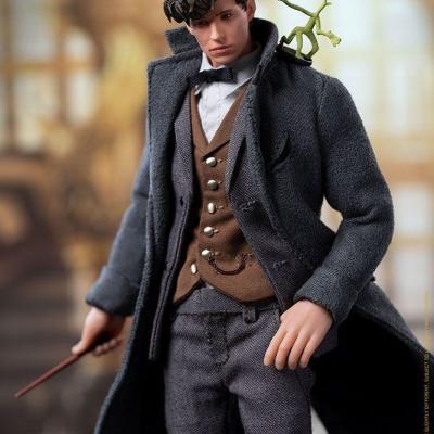 Les Animaux fantastiques : Les Crimes de Grindelwald figurine 1/12 Newt Scamander 17 cm