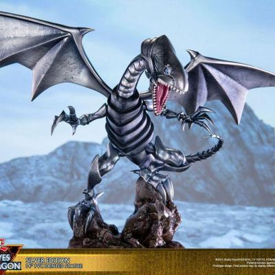 Yu-Gi-Oh! statuette PVC Blue-Eyes White Dragon Silver Edition 35 cm