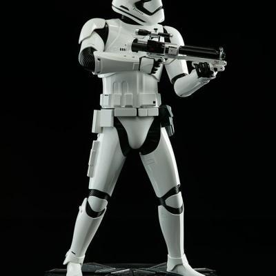 Star wars épisode VII Stormtrooper F.O Prem form FIG sideshow Toys