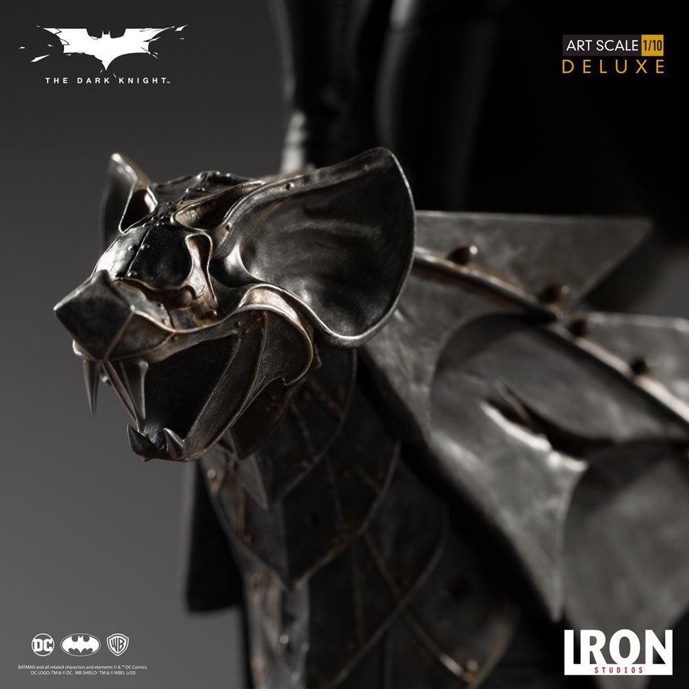 The dark knight statuette 31cm deluxe art scale batman 10
