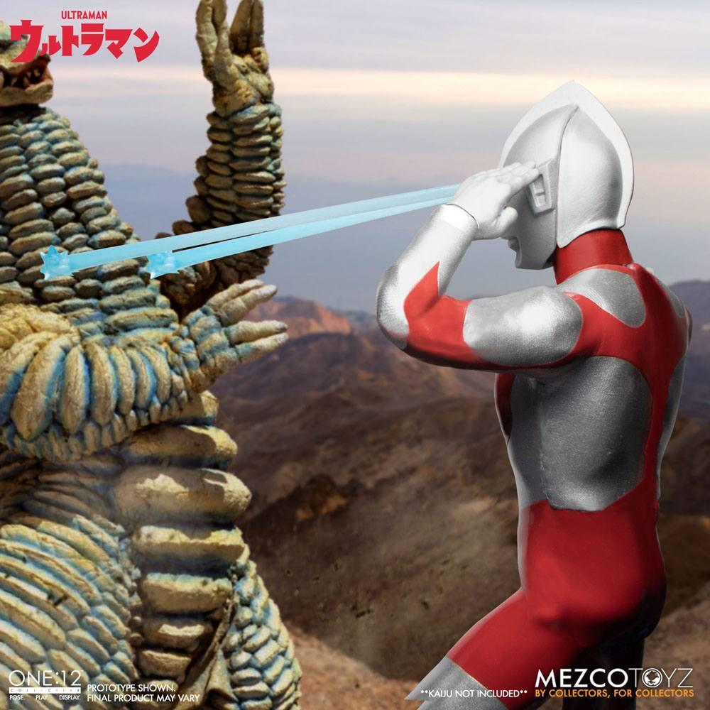 Ultraman figurine mezco toys 4