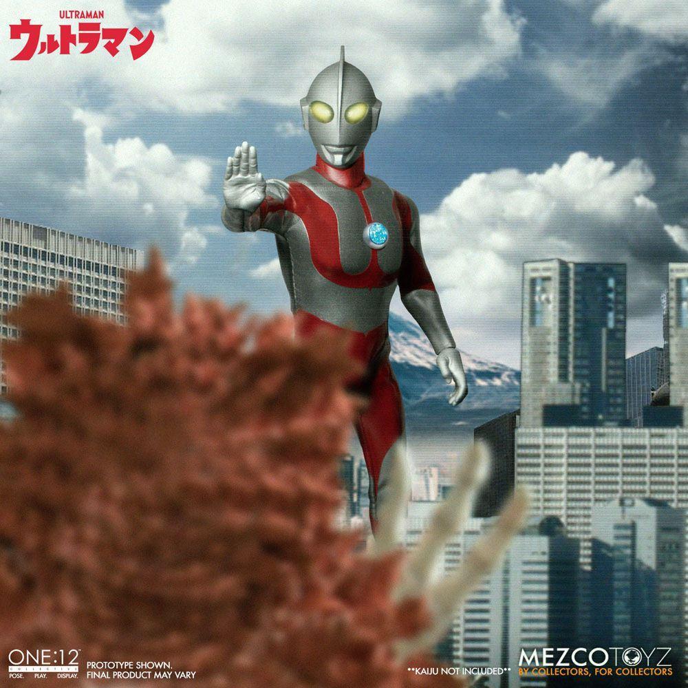 Ultraman figurine mezco toys 6