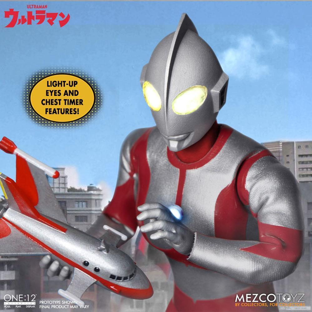 Ultraman figurine mezco toys 7
