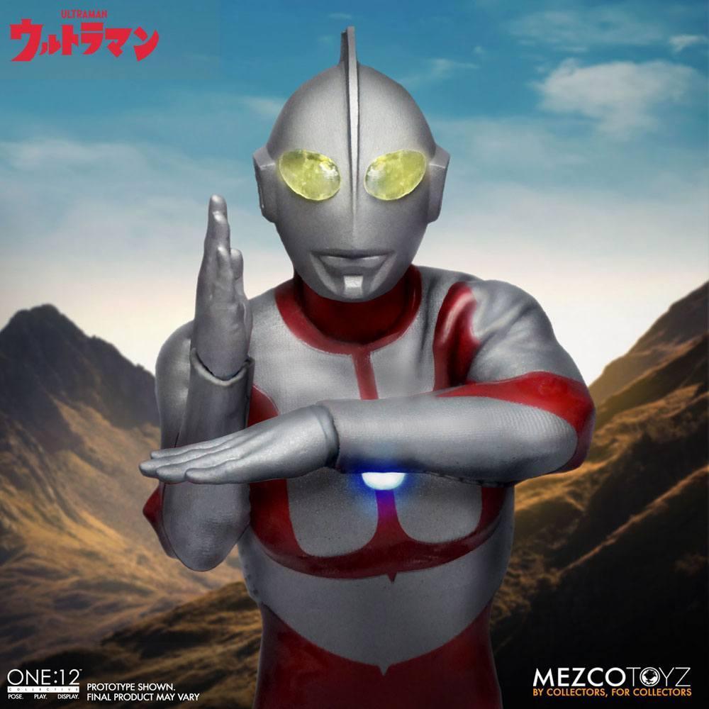 Ultraman figurine mezco toys 8