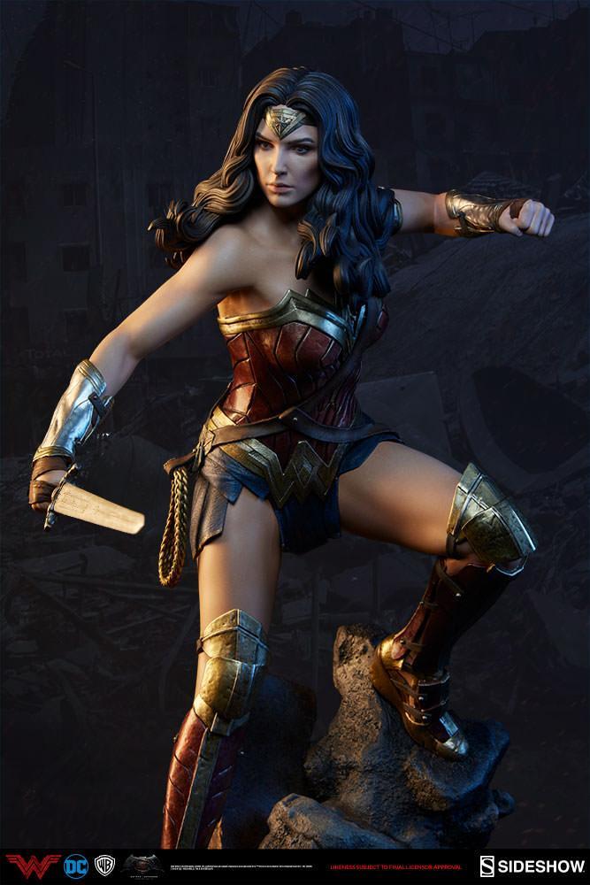 Wonder woman statue suuko toys collector 3