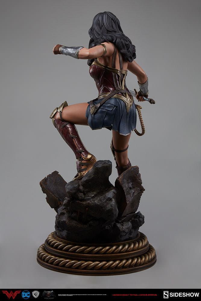Wonder woman statue suuko toys collector 6